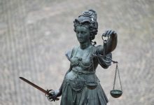 Photo of Landgericht Tübingen Kind jahrelang sexuell missbraucht: Prozessauftakt gegen 58-Jährigen